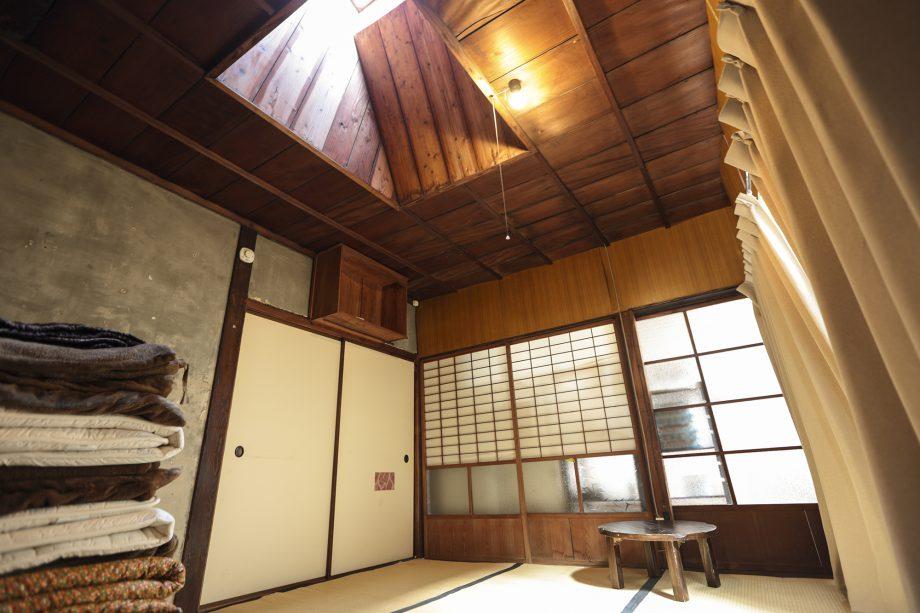 ゲストハウス有鄰庵「月」の部屋