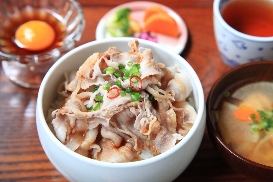 猪肉のしゃぶしゃぶ丼ランチ(カフェ有鄰庵)